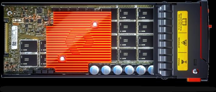 FlashArray//X 系列配上 DirectFlash,即成為小規模、高容量及高效能的儲存系統。