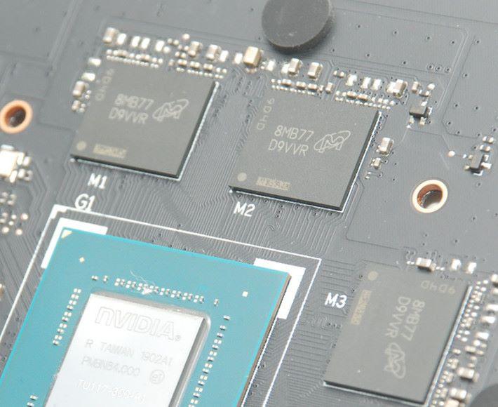 採用 Micron 8Gb D9VVR GDDR5 記憶體顆粒