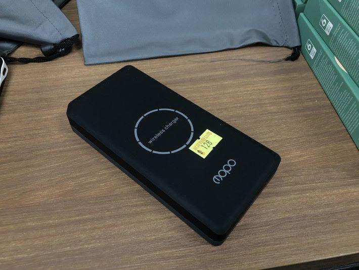 $128 有無線充電,平平哋當多個功能也可以考慮。