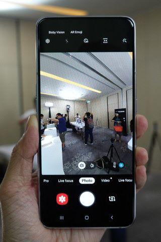 8MP 超廣角鏡頭正好滿足用戶風景相片所需。
