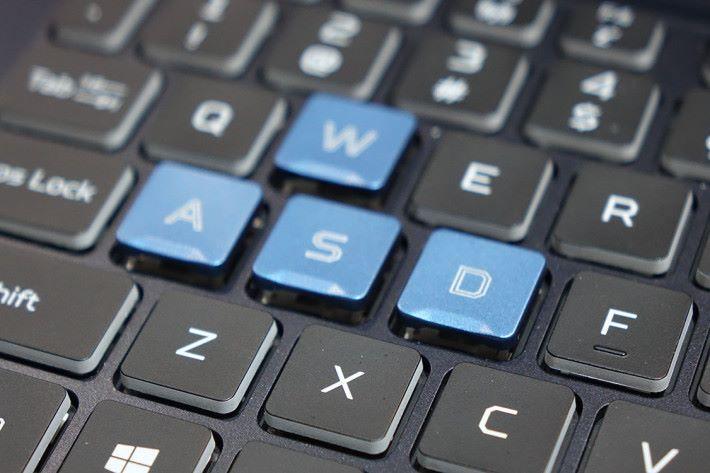 鍵盤用上新型 Linear 鍵。