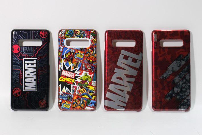 左起:Marvel 標誌(小) 、Marvel漫畫、Marvel標誌(大)、復仇者聯盟漫畫。
