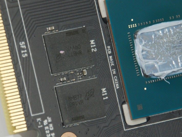 採用 Micron 8Gb GDDR5 記憶體顆粒。