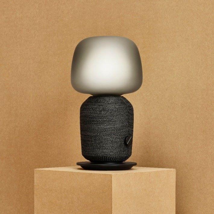 論外型,蘑菇頭「床頭燈喇叭」當然最搶眼