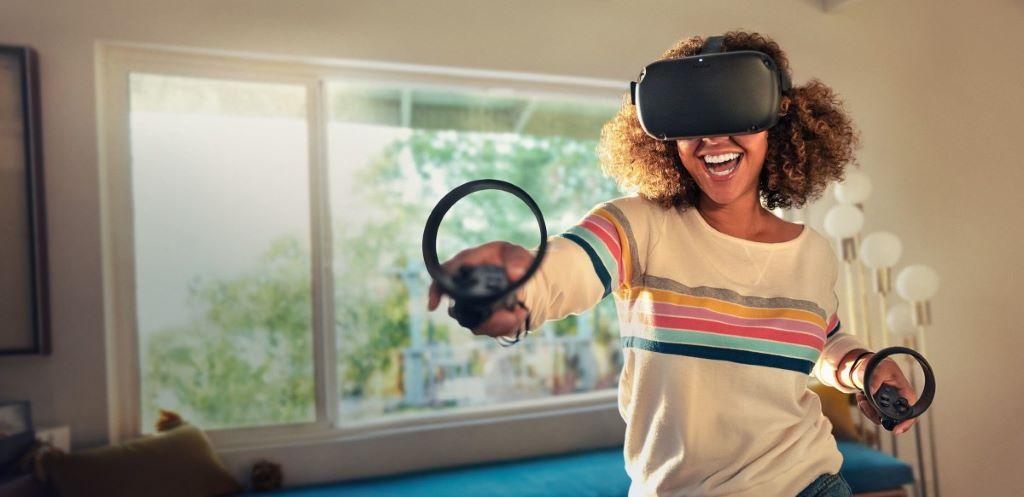 2019 年推出的 Oculus Quest 與 Go 一樣是一體型 VR 裝置,並將頭部動作追踪升級至 6DoF 。