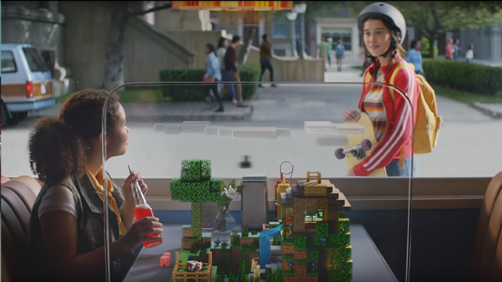 遊戲更預定可於桌面環境進行互動。
