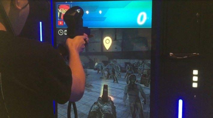 《 Double Tap 》是一款射靶為主的遊戲,設有多款地圖及模式選擇。