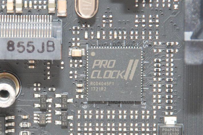 另加 Pro Clock II 晶片。