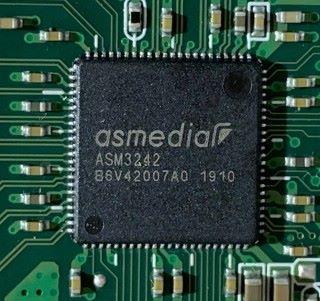 USB 主控卡採用 ASM3242 晶片
