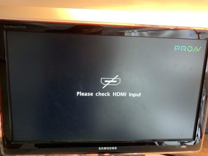 因電視不設 HDMI Out 埠,所以無法把畫面輸出至 RX 屏幕。