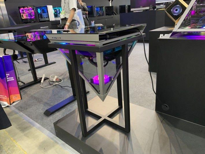 加配鐵架變成桌子。