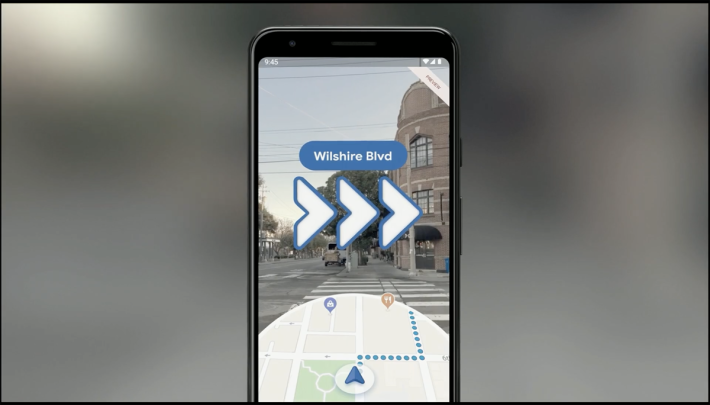 在 Google Map 終於可以用到實時 AR 提元用戶轉向。