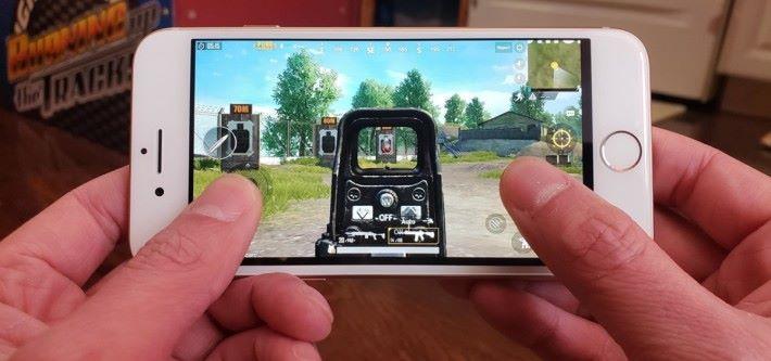 iOS 版本的《PUBG》是少數會在遊戲裡面使用 3D Touch 功能的手機應用。