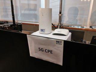 配合 5G 的裝置測試串流 4K 質素的 Now TV 節目內容。