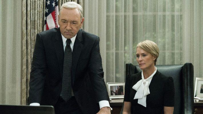 Netflix 以大數據主導的製作方向,造就了紙牌屋的出現。亦令政治題材的電視劇受歡迎起來。