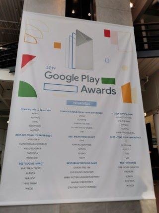 今年總共有九個獎項,其中更有來自香港開發的 App ——《Slowly》獲提名即奪獎。