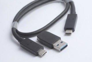 附送 USB Type-C 線材及 USB 3.0 轉接器