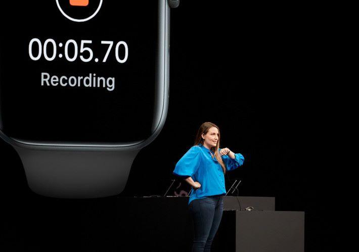 Watch OS 6 會使用 Apple Watch 的收音及發聲功能。