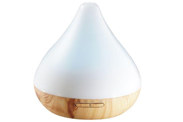 水滴形的「智能香薰機」可配合精油作滋潤放濕,為家居帶來放鬆的清新環境。