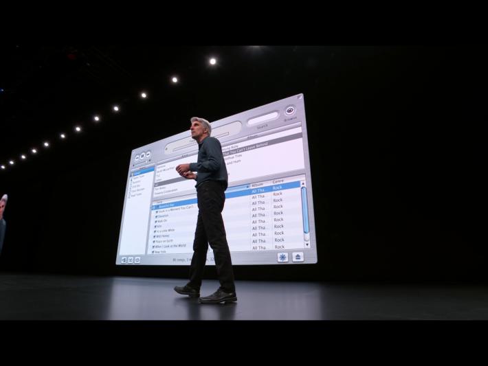.第一個 iTunes 只是一個音樂檔案管理工具,沒有任何圖像。