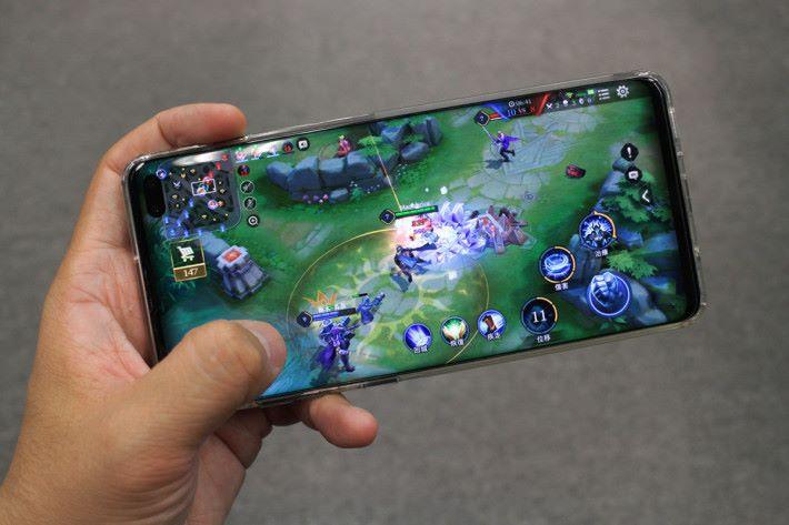 未來 Samsung 智能的智能裝置會融入 AMD Radeon 圖像技術,這可大大加強處理能力。