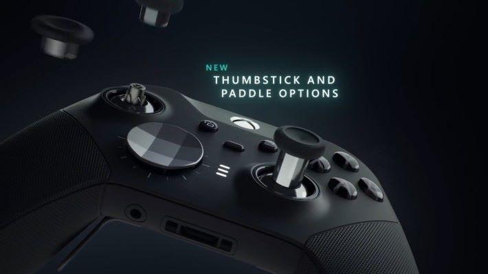 隨新手掣附送多款撥桿和方向掣,玩家可以隨意更換。