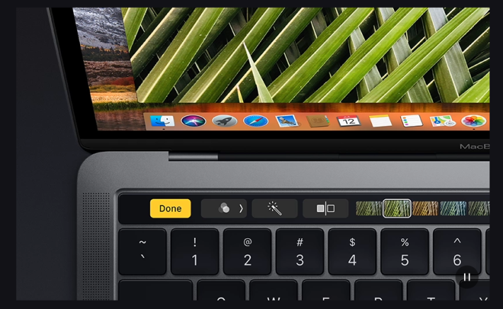 兩款新機最大的分別就是 Touch Bar 和硬件上的些微分別