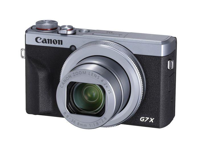 PowerShot G7 X Mark III 除了黑色之外還有銀色,沒有電子觀景器,只有內置閃燈。