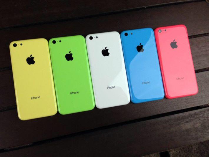 搶走 iPhone 5c 外殼是相當明目張膽的行動