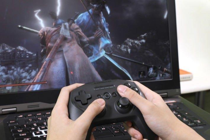 可於PC或Android平台連接,十分方便玩家。