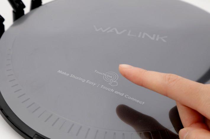 機面沒印上 Touchlink 的位置,只有包裝膠片有標明。