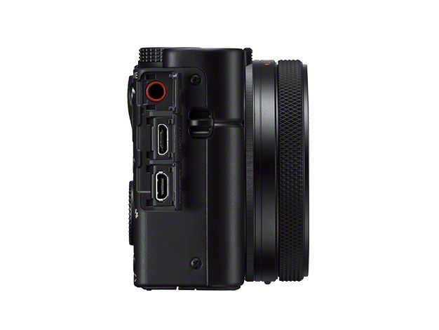 機身右側的接口,提供 3.5mm 接口連接咪高峰,提供更佳收音效果。