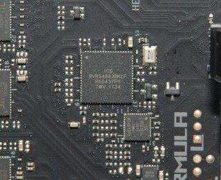 高階主機板才有的獨立 ICS9VRS4883BKLF 時脈產生器晶片