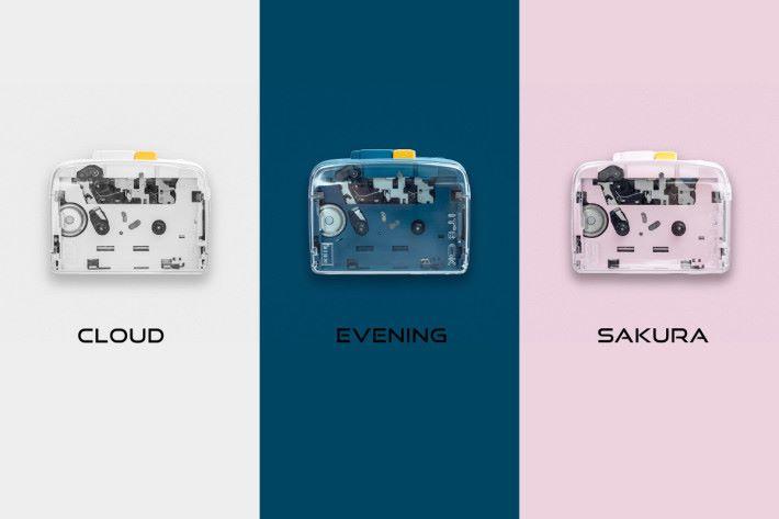 NINM Lab IT'S OK 藍牙可攜卡式機包括粉紅色的「櫻 SAKURA」、白色的「雲 CLOUD」及深藍色的「晚安 EVENING」三種。