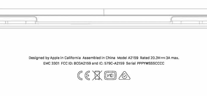 機底圖像顯示 A2159 耗電為 61W ( 20.3V , 3A ) ,與 13 吋 MacBook Pro 相同。