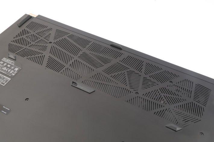 為應付主機高效硬件,散熱系統都絕不馬虎。