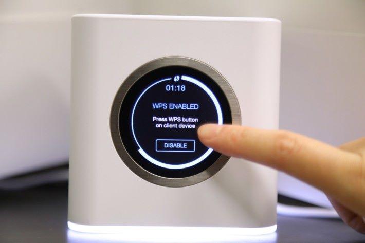 按著屏幕兩秒,就會開啟 WPS,讓裝置在 2 分鐘內經 WPS 連接 Router。