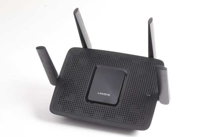 Linksys MR8300 具備 4 支天線