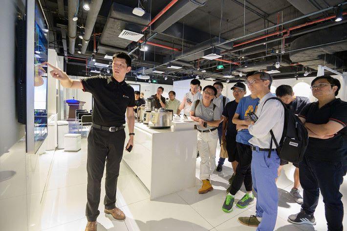 中移香港為「OneNET 物聯網創科比賽」的參賽隊伍提供培訓及交流的機會,讓團隊掌握最新的流動應用科技。