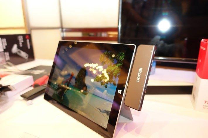 uHUB H6+ 是專為 Microsoft Surface Pro 特設的擴充 Hub