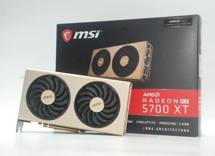 包裝盒上印有 AMD 50 周年紀念的標貼