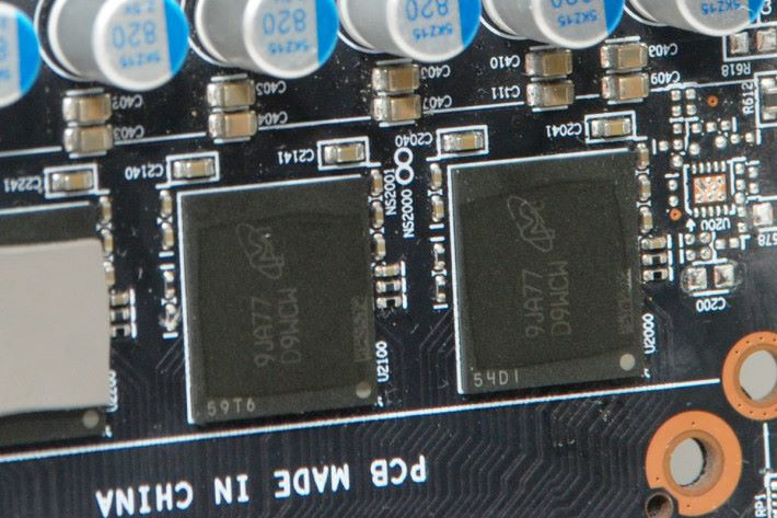 使用 Micron GDDR6 記憶體。