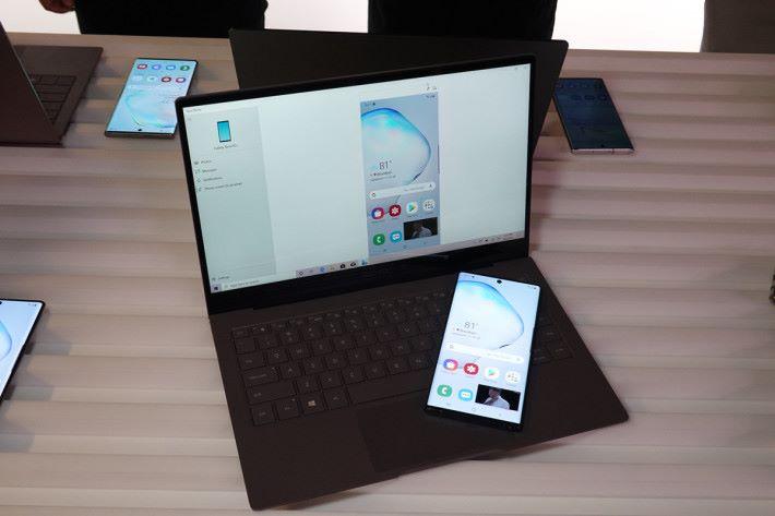 Link to Windows 功能則是 Galaxy Note10 配合 Windows 10 工作的功能,不需接線而且速度頗快。
