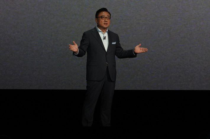 三星電子有限公司資訊科技及流動通訊業務部總裁及首席執行官 DJ Koh 指 Galaxy Note 系列代表著最佳的技術和功能。