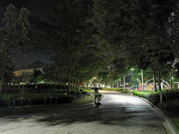 HUAWEI P30 Pro 夜景模式拍攝效果。