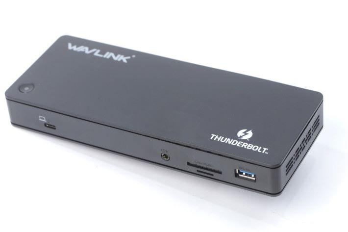 USB Type-C Thunderbolt 3 能支援最高 100W 的電力輸出,足夠為 15吋 MacBook Pro 作充電