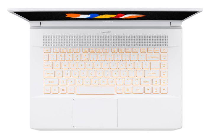 採用琥珀色背光鍵盤