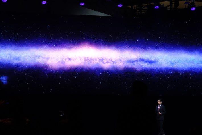 分析南半球 20 萬星體圖片,僅用 10.02 秒完成。