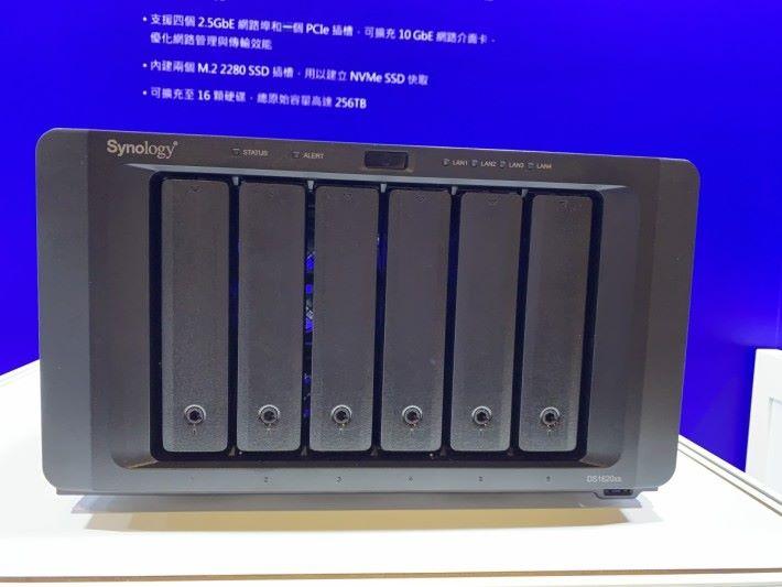 DS1620xs 為四核 Xeon CPU NAS
