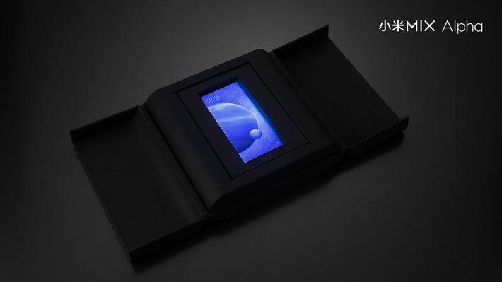小米 MIX Alpha 的包裝盒亦十分特別。